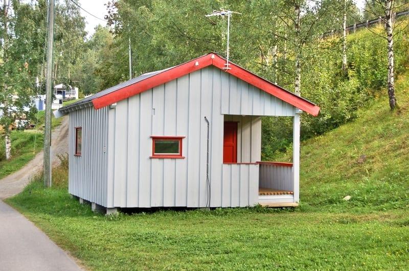 liten hytte på biristrand camping
