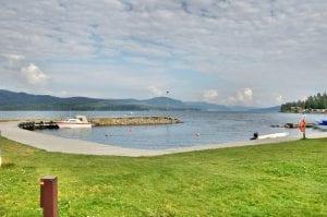 båthavna med utsikt over mjøsa